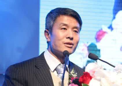 """张建平:全球包容性增长有""""中国方案""""张建平表示,达沃斯经济论坛讨论了""""包容性的增长"""",拥有全球视野。【详细】"""