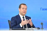"""俄罗斯总理梅德韦杰夫做客人民网梅德韦杰夫说:""""'一带一路'倡议同欧亚经济建设的对接能够为双方带来更多经济红利,推动落实基础设施建设以及投资等一系列经济项目。【详细】"""